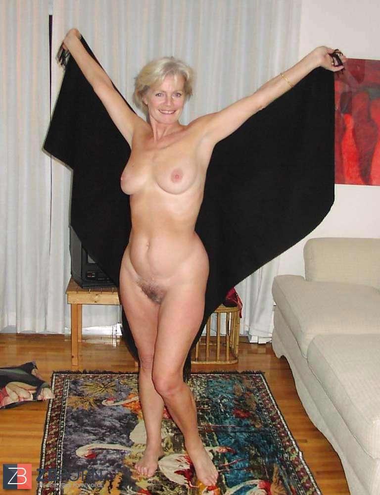 Blonde mature justine posing