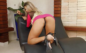 Milf with long red nails