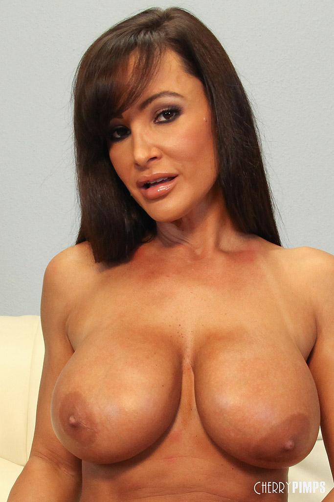 Lisa ann boob pic