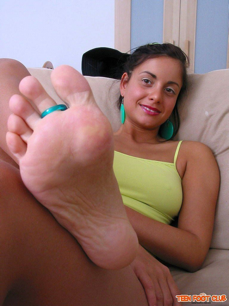 In air nude girl feet