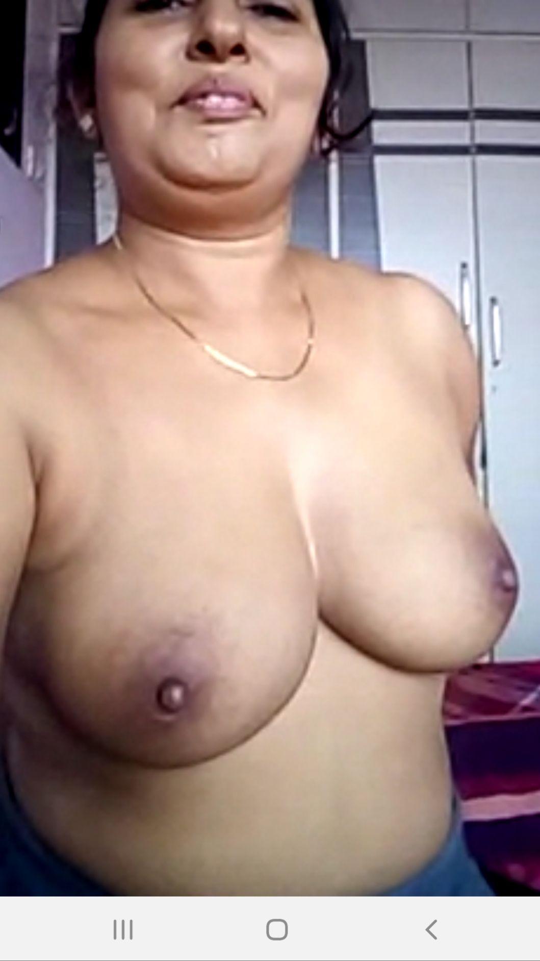 Desi mature bhabhi nude