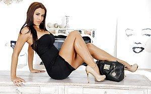 Nicole moore in skirt xxx