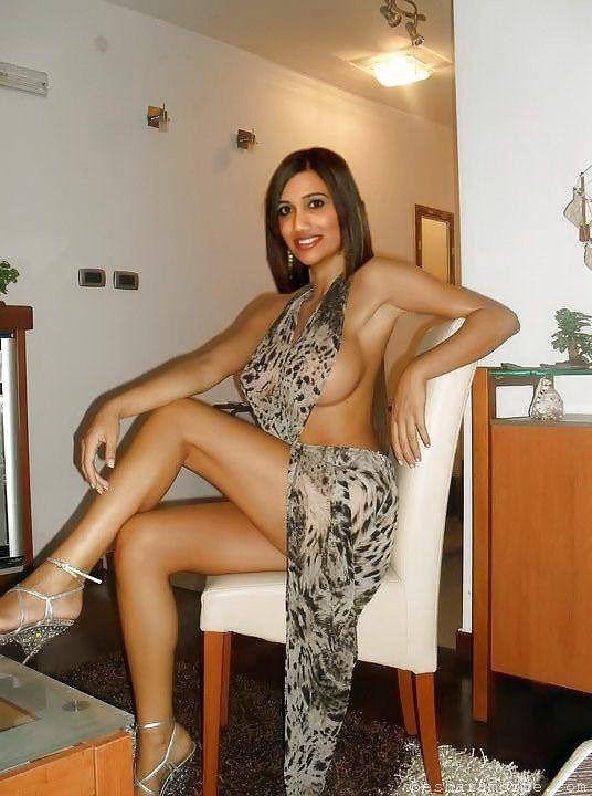 Pakistani sexy model nude photoshoot
