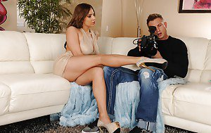 Sugar mummys showing upskirt pictures