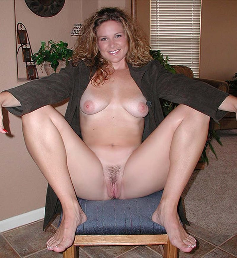 Homemade amateur milf spread legs