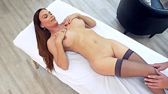 Pic julia ann pussy clit