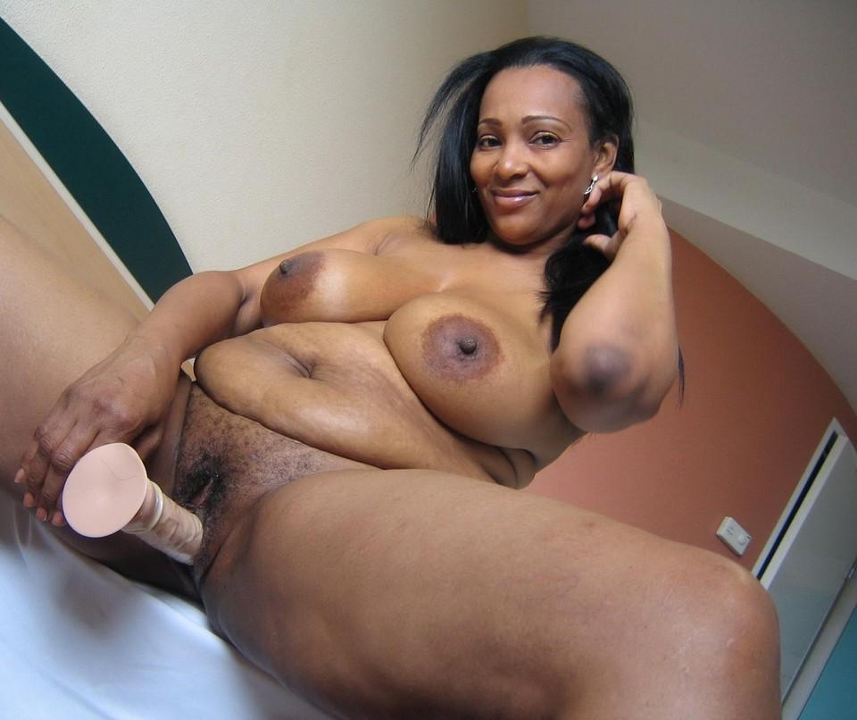 Mature ebony mom nude porno