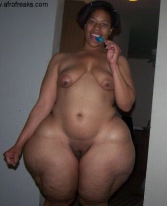 Huge black pear nudes