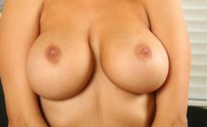 Chubby hairy gf outdoors nude