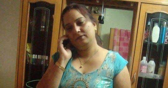 Hot moti aunty in dress