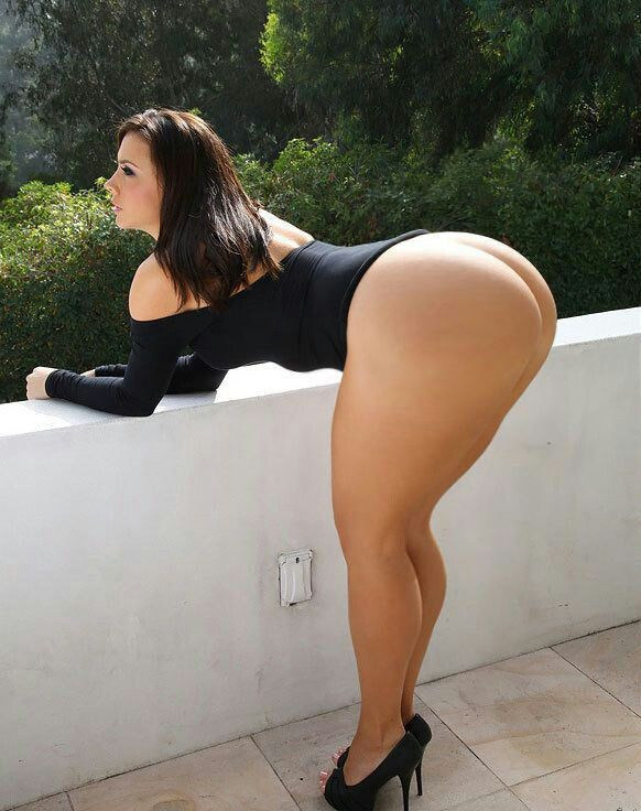 Wide hips big thigh hot porn babe in dress photo