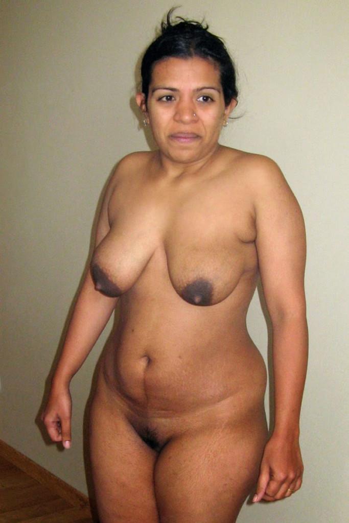 Fat aunty pundai in india