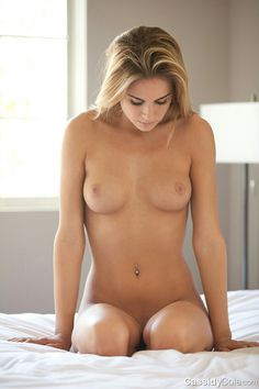 Bare beautiful woman fucking