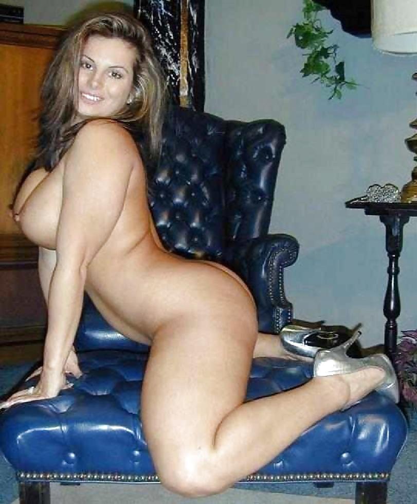 Hot milf curvy naked