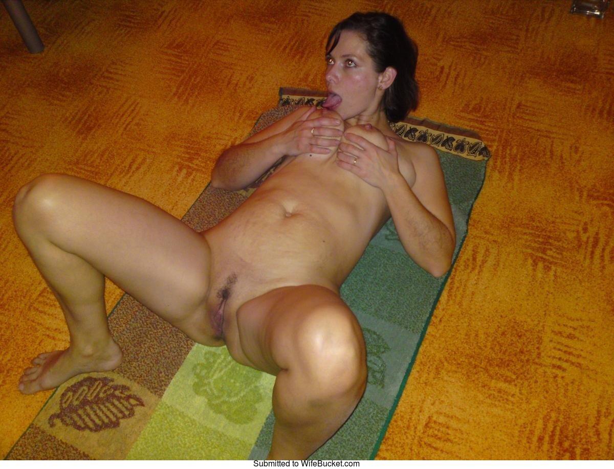 Naked milf wife nude