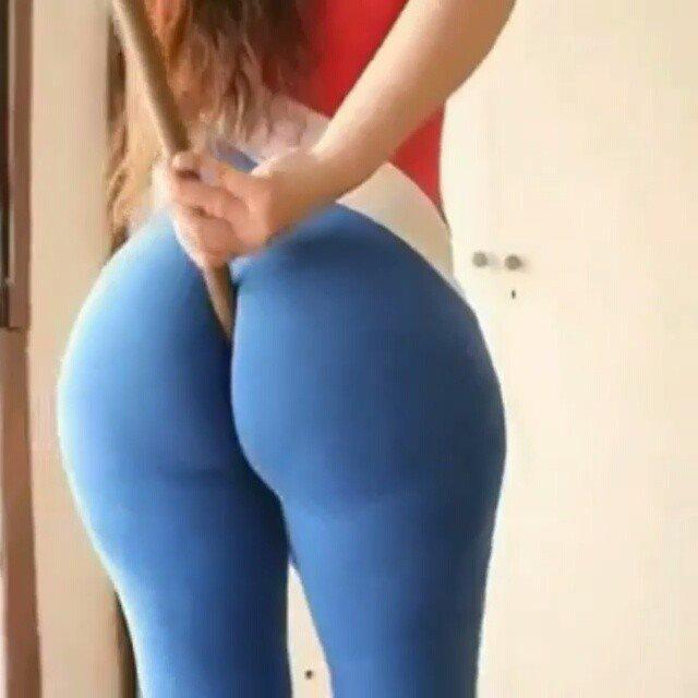 Yoga huge ass pant pics nude