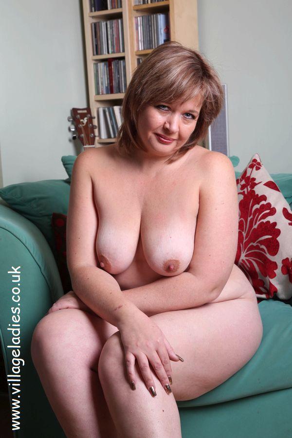 Elegant mature sexy older woman nude
