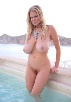 Amateur beautiful natural women nude