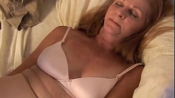 Mature amateur wife orgasms