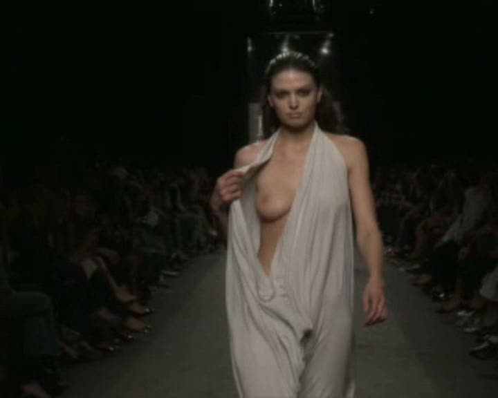Nude fashion models runway oops pussy