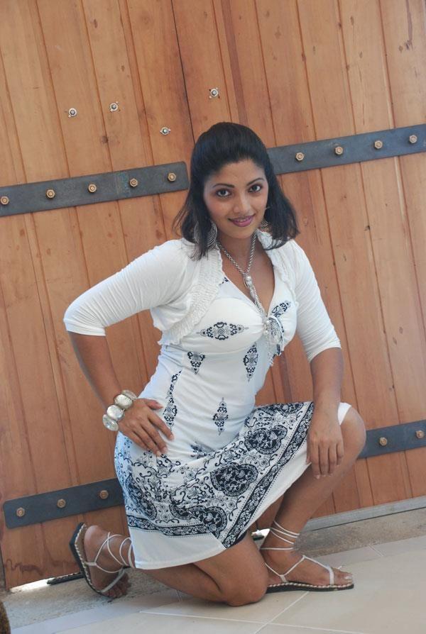 Lanka actress hd hot photos sri