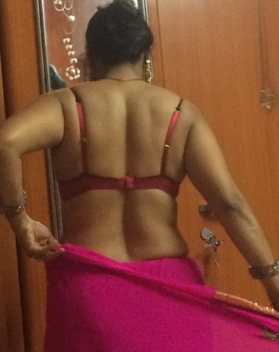 Aunty sex with back