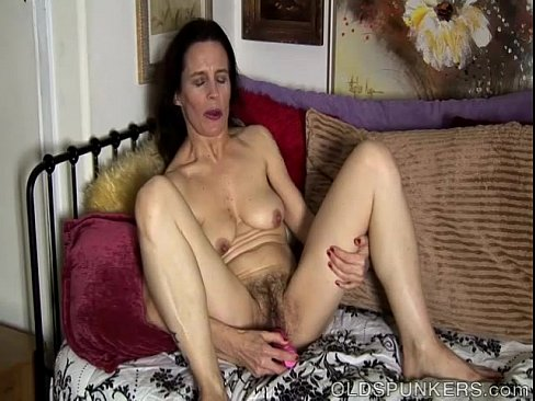 Hairy pussy amateur mature displayed