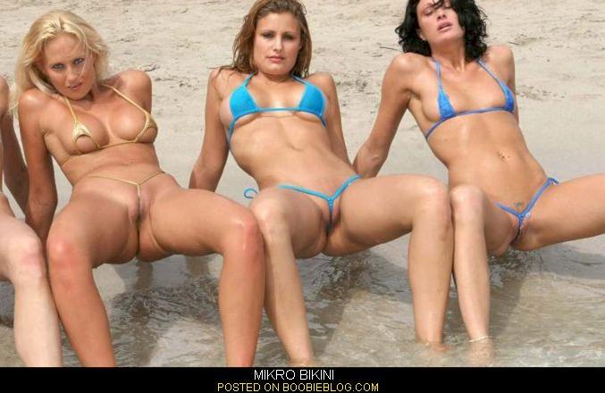 Floss string bikini pussy