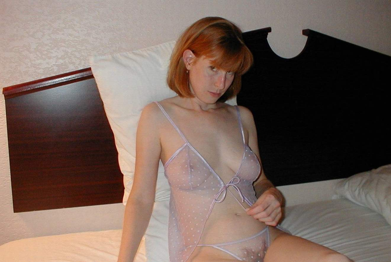 Amateur redhead girl on top sex