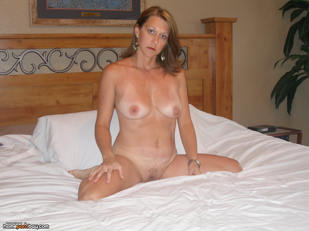 Mature amateur wives at home