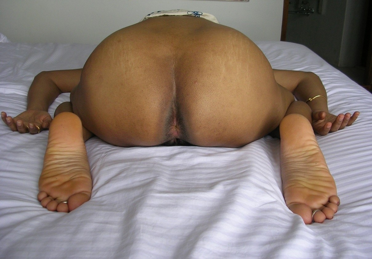 Indian big ass aunty pic