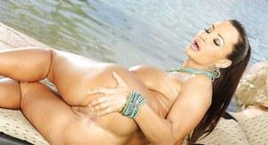 Sexy naked ass girl
