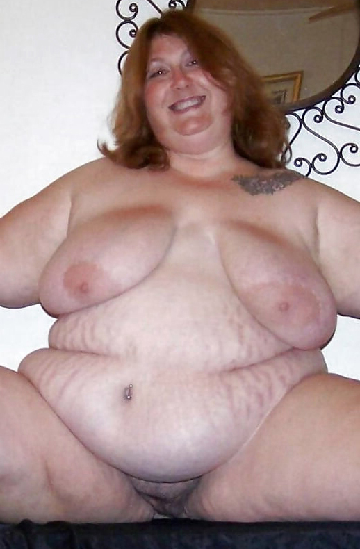 Nude fat lady photo