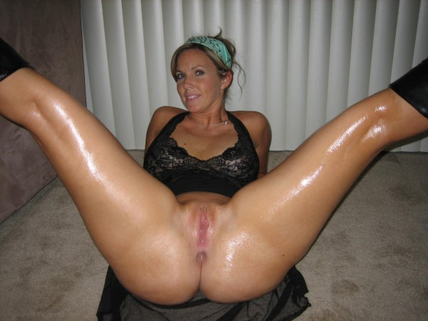Horny amateur pussy spread wide hot pics