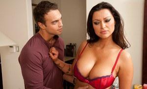 Naked pix of big boobs
