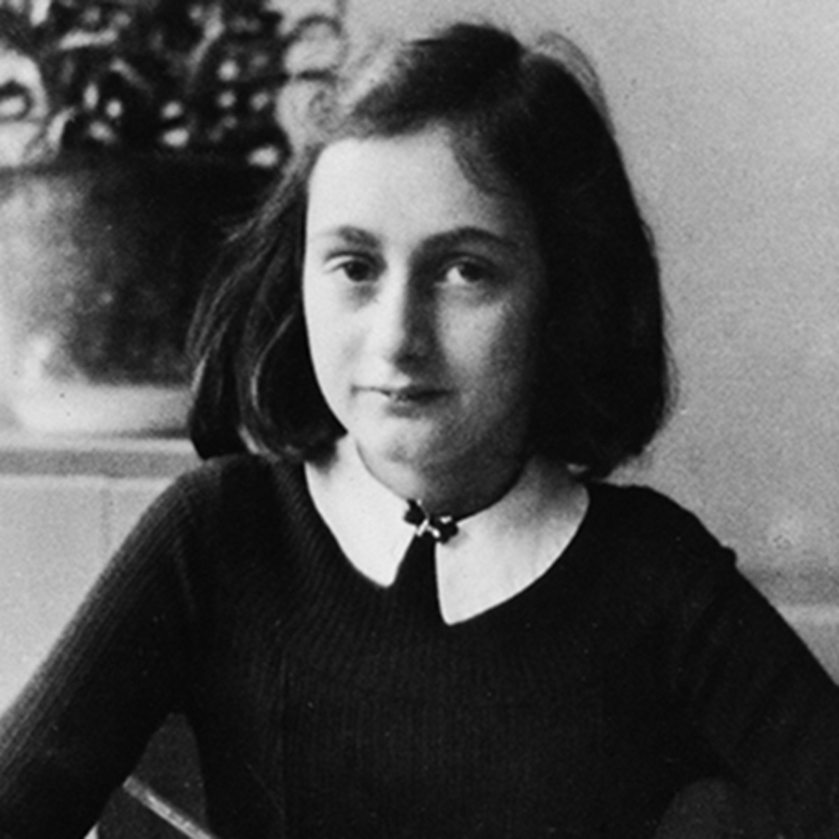 Adult biographical died holocaust jew