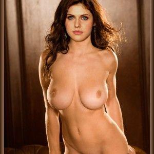 Wet nude pussy selfie